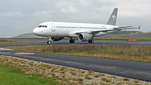 Seit Dienstag ist der Airbus 320 der Fluglinie Sundair in Kassel-Calden stationiert.