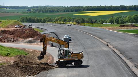 Blick auf eine Baustelle an der A49 bei Schwalmstadt