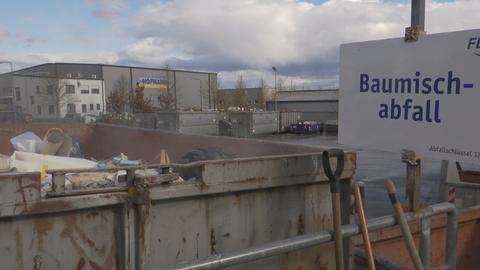Ein Baumischabfall-Container in Bad Homburg