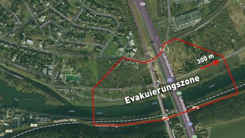 Pfeiler von alter Lahntalbrücke bei Limburg werden gesprengt