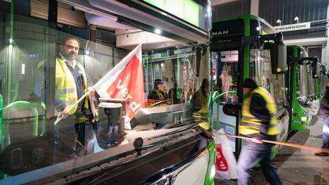 Streikende Busfahrer in Offenbach