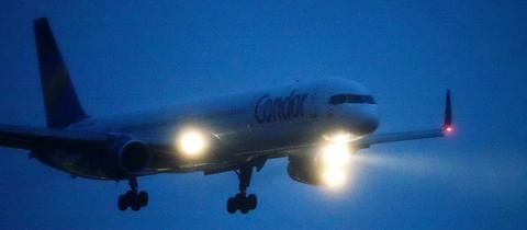 Ein Condor-Maschine im Landeanflug