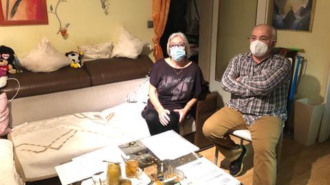 Sie haben ihre Wohnung gekündigt bekommen: Das Ehepaar Höhn aus Maintal