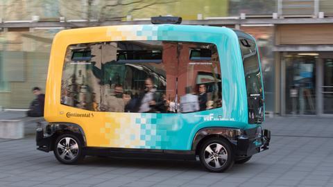 "Autonomer Bus ""Cube"""