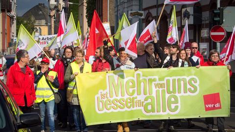 Demonstrationszug im Frankfurter Stadftteil Höchst.