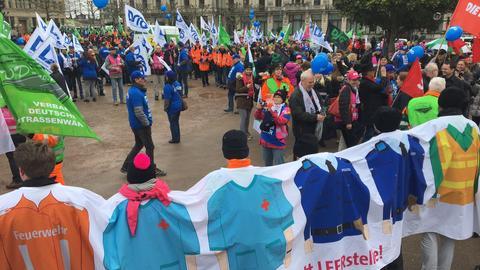 Demo Wiesbaden Landesbeschäftigte