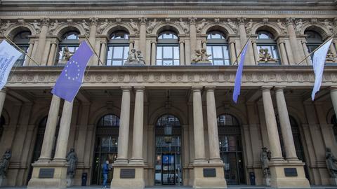 Eingang der Deutschen Börse in Frankfurt