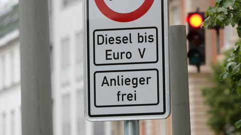 Verkehrsschilder zum Dieselfahrverbot