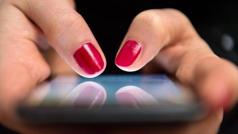 Frau-smartphone