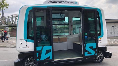 """Ab Ende September können Fahrgäste den """"Easy"""" auf dem Mainkai kostenlos nutzen"""