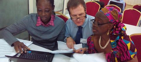 Amateur entwicklungshilfe aus nigeria 3