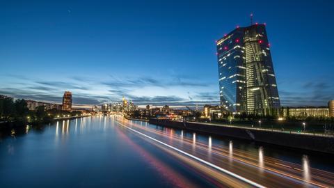 EZB Frankfurt Nacht