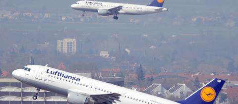 Zwei Maschinen der Lufthansa über Frankfurt