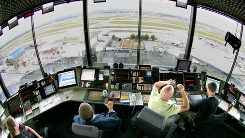 Fluglotsen Tower Flughafen Frankfurt