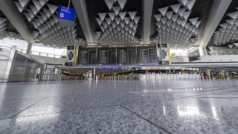 Terminal 1 des Flughafens Frankfurt ohne Menschen