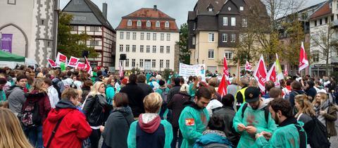 Kundgebung auf dem Gießener Kirchenplatz