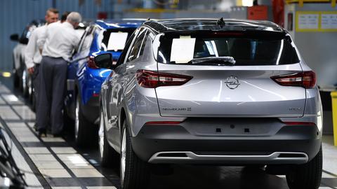 """Der SUV """"Grandland X"""" wird im Opel-Werk Eisenach montiert."""