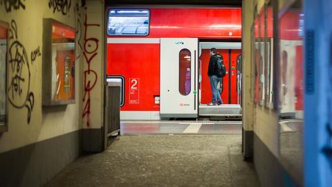 Regionalexpress am Frankfurter Hauptbahnhof