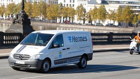 Fahrzeug von Hermes Paketdienst