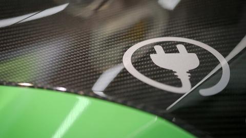 Fährt mit Strom: Ein zum Elektrofahrzeug umgebauter Audi R8 auf der IAA