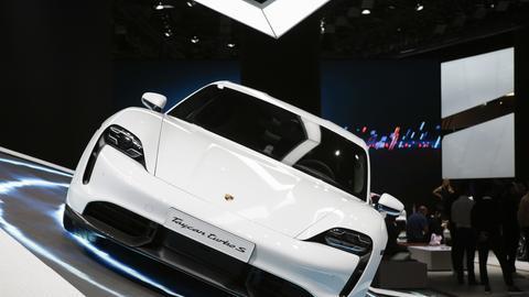 Porsche stellt den Taycan Turbo S vor.