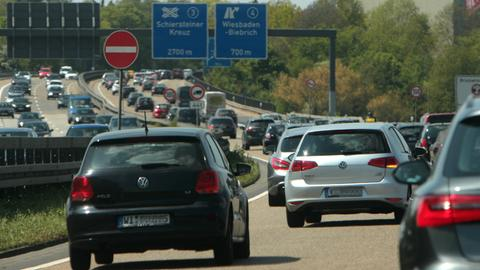 Stau auf der A66 bei Wiesbaden