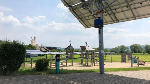 Bei Kirchner Solar gibt es einen Spielplatz mit Solarmodulen.