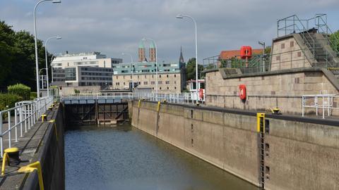 Blick auf die Fulda-Schleuse in Kassel