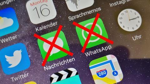 Smartphone-Display mit durchestrichener SMS-Anwendung
