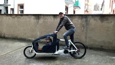 Steffen Fuchs mit Lastenrad