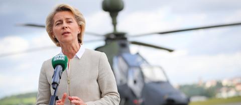 Ursula von der Leyen beim Besuch des Bundeswehr-Standorts in Fritzlar