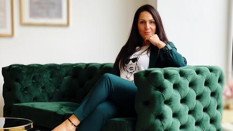 Lisa Hassenzahl berät in ihrem Büro in Darmstadt vor allem Frauen.