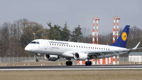 Eine Embraer der Lufthansa Regional