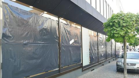 Michelstadt Schaufenster schwarz verhüllt Protest Absage verkaufsoffener Sonntag