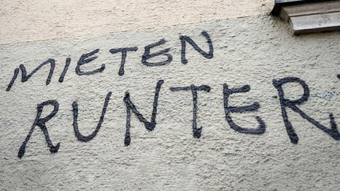 Grafitto an Hauswand Mieten runter