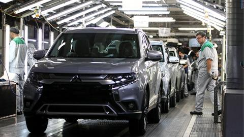 Mitsubishi auf Fließband
