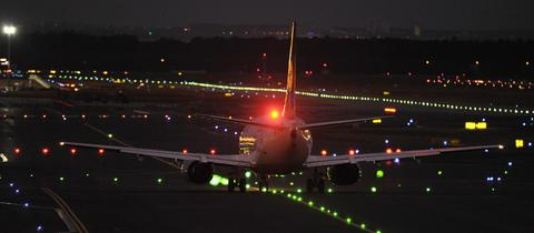 Nachtflug am Frankfurter Flughafen