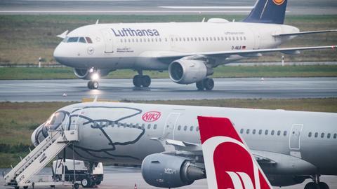 Fluggesellschaften Niki und Lufthansa