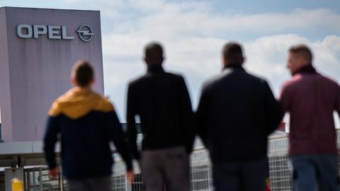 Opel-Arbeiter in Rüsselsheim