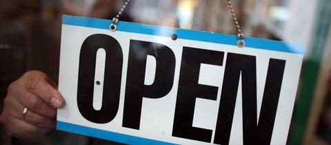 In Frankfurt sollen die Läden in den nächsten beiden Wochen auch sonntags öffnen.