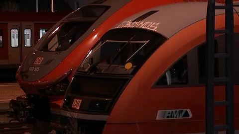 Abgestellter Pesa-Zug am Bahnhof Rödermark-Ober-Roden (hinterer Zug)