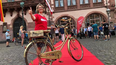 Daumen hoch vom Radentscheid Frankfurt für die Verabschiedung des Maßnahmenpakets.