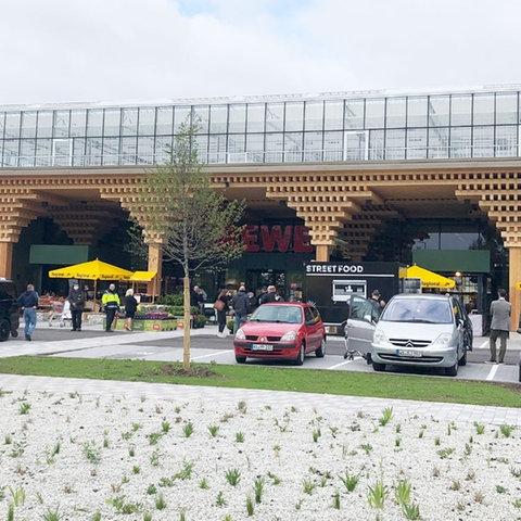 Rewe-Markt in Wiesbaden-Erbenheim - Außenansicht