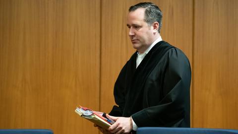 Richter Lars Iffländer machte dem Kläger zum Prozessauftakt keine großen Hoffnungen.