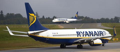 Eine Ryanair-Maschine auf dem Rollfeld