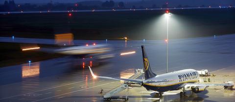 Ein Ryanair-Flugzeug im Wartestand