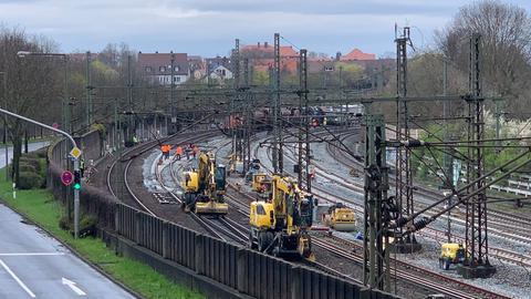 Die ICE-Trasse Kassel-Göttingen ist wegen Bauarbeiten bis Juli gesperrt.