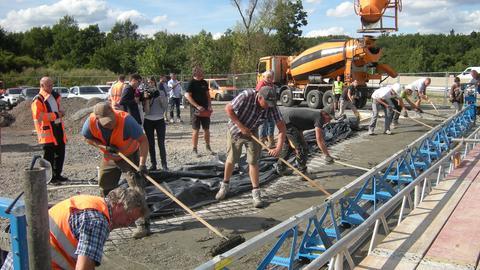 Bauarbeiten bei Fulda: Bei einem Brückenbau kommt der neue Beton UHFB zum Einsatz.