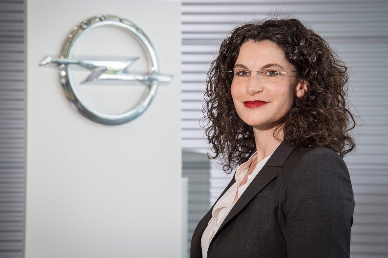 Opel-Managerin wird Douglas-Chefin