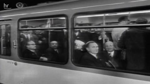 Jungfernfahrt der ersten U-Bahn in Frankfurt